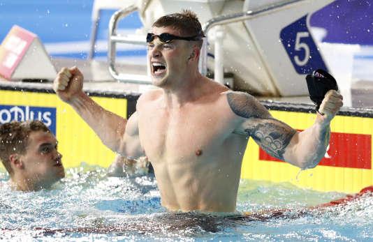 Adam Peaty a battu le record du monde de 100 m brasse à Glasgow.
