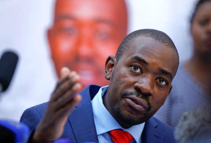Le chef de l'opposition zimbabwéenne, Nelson Chamisa,à Harare, le 3 août.