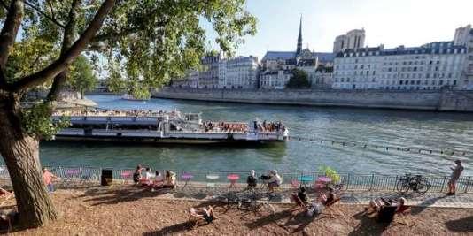 Sur les bords de la Seine, le 4 août.