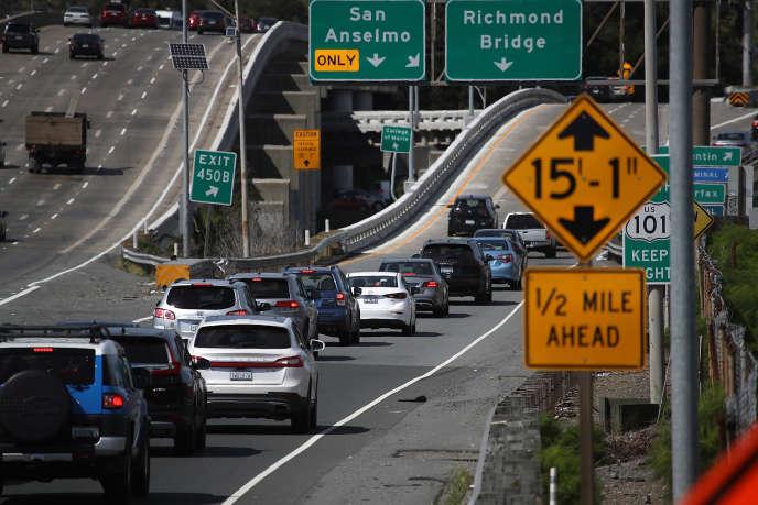 Sur l'autoroute 101 à Larkspur, en Californie, le 1er mai.