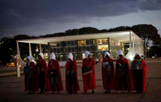 Rassemblement pour le droit à l'avortement, devant la Cour suprême du Brésil, à Brasilia, le 6 août.