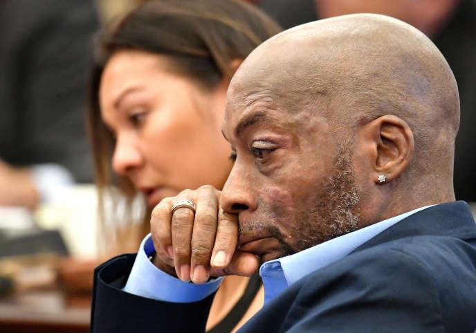 Dewayne Johnson le 9 juillet, alors que son avocat détaille son état de santé devant la cour, à San Francisco (Californie).