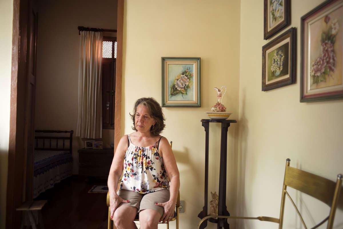 «On a retrouvé des métaux lourds dans les cheveux et le sang des habitants », dit Elaine de Mello Etrusco Carneiro, institutrice à Barra Funda.
