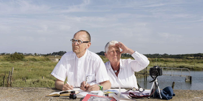 Anne et Patrick Poirier, plasticiens, à Mesquer en Loire Atlantique où ils possèdent une résidence secondaire.