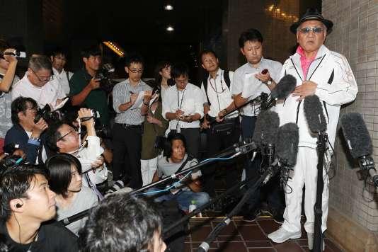 Le président de la Fédération japonaise de boxe amateur, Akira Yamane, lors d'une conférence de presse, le 7 août, à Osaka.