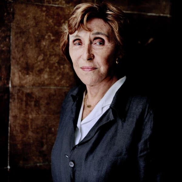 Edith Cresson chez elle à Paris, le 13 juillet.