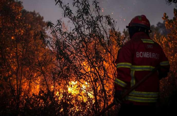 Incendie près de Monchique, dans l'Algarve au Portugal, le 8 août 2018.