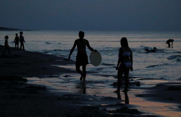 Sur la plage de Choczewo (Pologne), le 8 août.