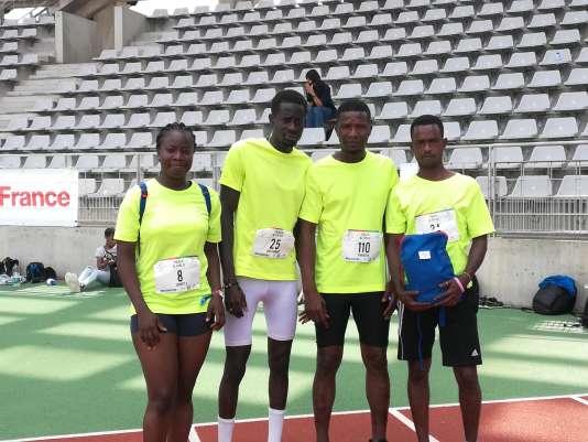 L'équipe du relais de l'association Ardhis. De gauche à droite, Joanitta Sunday (Nigeria), Diakmomar Diop (Sénégal), Mamadou Baldé (Guinée-Bissau) et Hamidou Diallo (Guinée).
