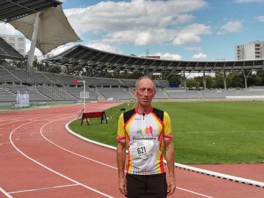 Jean-Pierre Grasland, quelques minutes après son 100 m sur la piste de Charléty, mercredi 8 août.