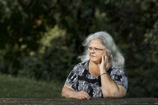 Susan Bro,devant sa fondation, créée après la mort de sa fille Heather Heyer, tuéepar un néonazile 12 août 2017.