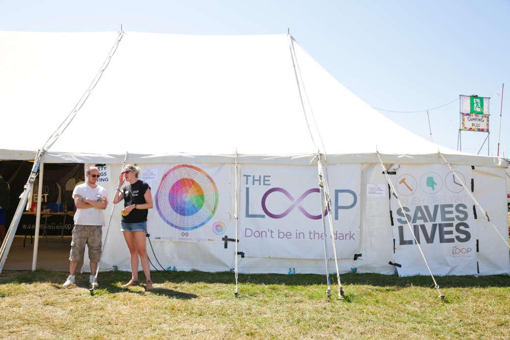 Présente au sein du festival Bestival, qui se tenait du 2 au 5 août au sud de l'Angleterre, l'association britannique The Loop proposait aux festivaliersde tester la composition de leurs drogues.