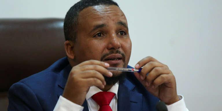 Le militant oromo Jawar Mohammed lors d'une conférence de presse à son arrivée à Addis-Abeba, en Ethiopie, le 5août 2018.