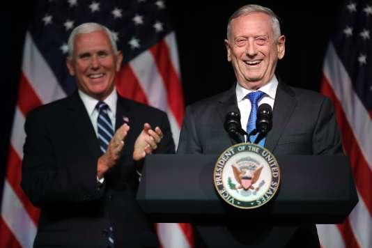 Le ministre de la défense, James Mattis, ne s'est pas exprimé, se contentant de donner la parole au vice-président Mike Pence, le 9 août.