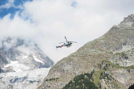 Un hélicoptère a été utilisé pour effectuer les recherches.