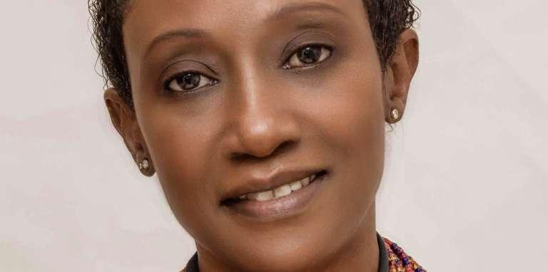La commissaire d'exposition N'Goné Fall. CRÉDITS : DR