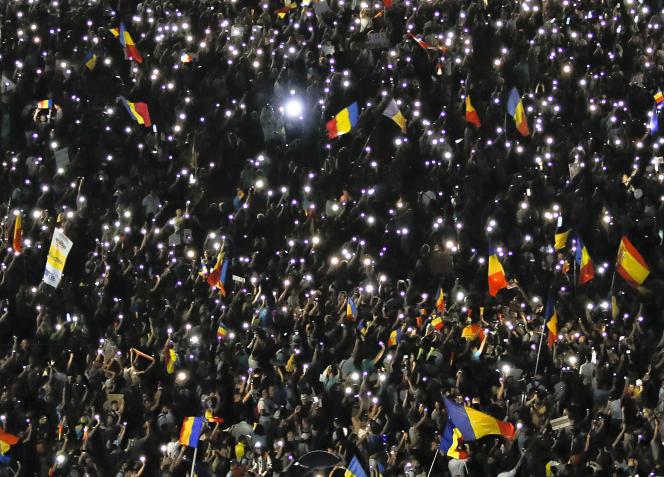 Manifestation à Bucarest, samedi 11 août.