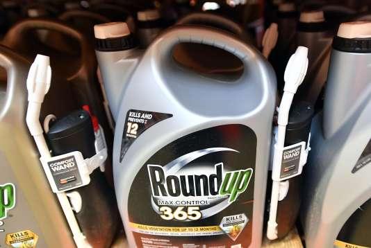 Le Roundup est l'un des produits formulés à base de glyphosate.