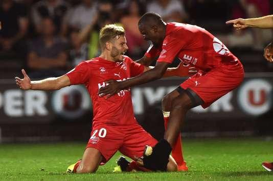 Le Nîmois Renaud Ripart célèbre son but contre Angers, le 11 août 2017