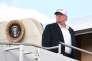 Donald Trump sur la passerelle de l'avion présidentiel américain Air Force One, à Morristown (New Jersey), le 29 juillet.