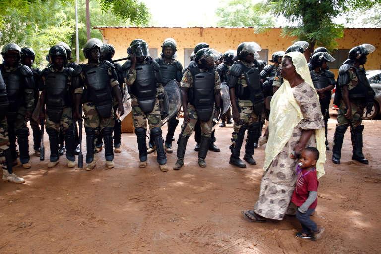 36 000 membres des forces de l'ordre ont été déployés pour sécuriser la présidentielle au Mali.