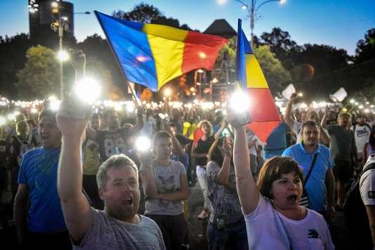 Manifestation à Bucarest, dimanche 12 août.