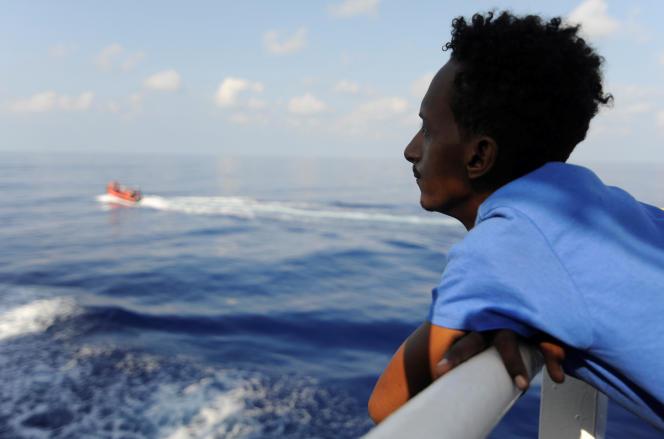 Un migrant à bord de l'« Aquarius», le 12 août 2018.