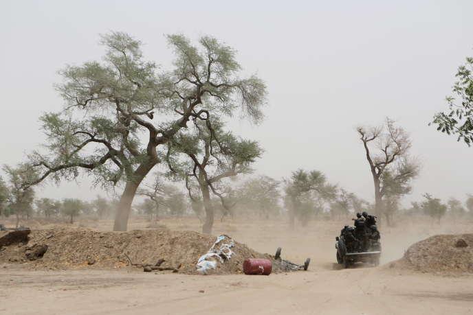 Des militaires camerounais à Achigachia, dans la région camerounaise de l'Extrême-Nord, en 2016.