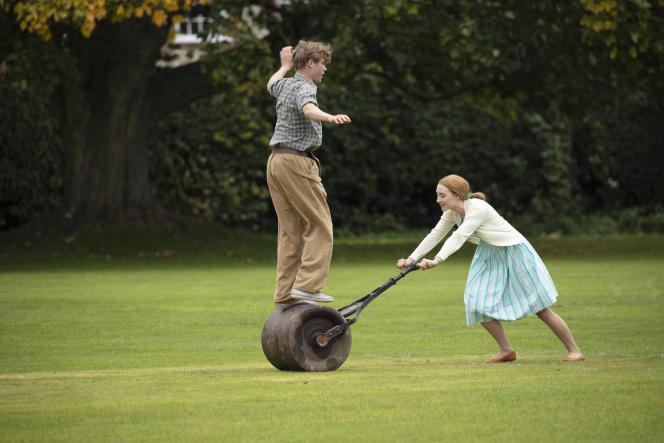 Billy Howle etSaoirse Ronan dans «Sur la plage de Chesil» («On Chesil Beach»), de Dominic Cooke.