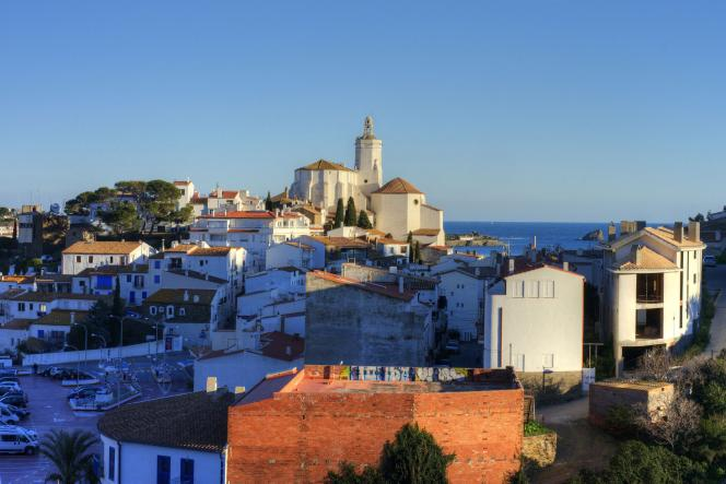 En Catalogne,le village de Cadaqués, sur la Costa Brava.