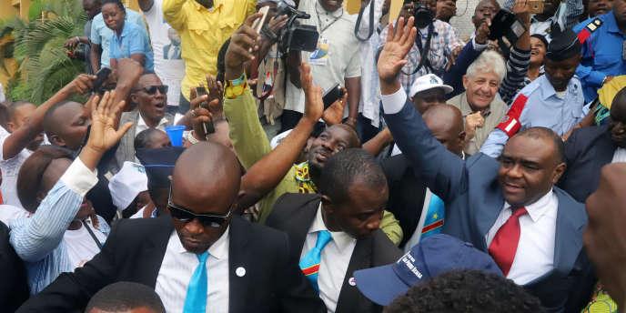 Retour de l'ex-chef de guerre, Jean-Pierre Bemba et leader du Mouvement pour la libération du Congo, le 1er août 2018 à Kinshasa après sa libération par la Cour pénale internationale.