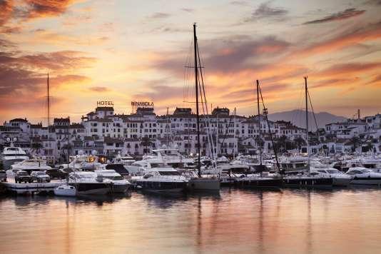 Vue de Puerto Banus à Marbella, sur la Costa del Sol.
