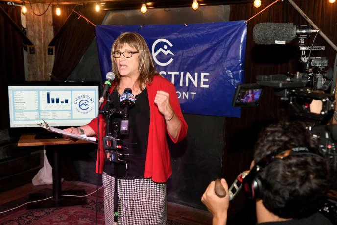 Christine Hallquist, lors de la soirée électorale, le 14août à Burlington, dans le Vermont.