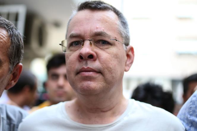 Andrew Brunson, le 25 juillet, jour de sa sortie de la prison d'Izmir pour être assigné à résidence avec une interdiction de quitter le territoire.