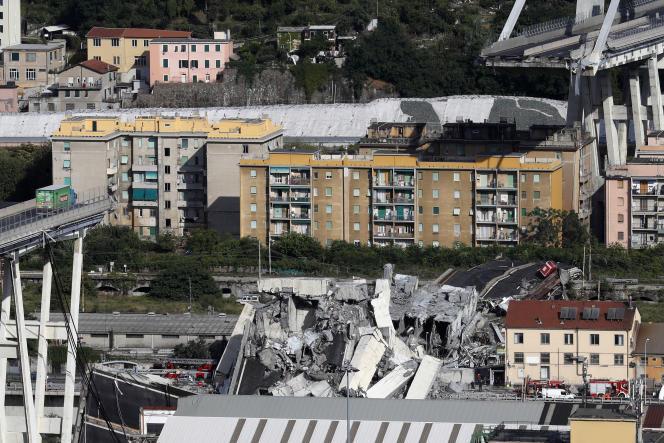 Les décombres du pont Morandi à Gênes après l'effondrement d'une section de celui-ci, le 14 août 2018.