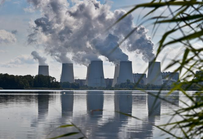 La centrale à lignite de Vattenfall Europe Generation AG, située à Jaenschwalde, dans l'est de l'Allemagne, le 25 août 2014.
