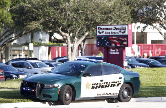 Le 15 août 2018 devant le lycée de Parkland, en Floride, théâtre d'une fusillade meurtière le 14 février de la même année.