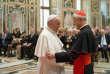 Le cardinal Donald Wuerl, archevêque de Washington et ancien évêque de Pittsburgh (Pennsylvanie), fait partie des responsables de l'Eglise catholiques locale accusés d'avoir aidé des «prêtres prédateurs». Sur cette photo, il rencontrait le pape François, en octobre 2010 au Vatican, à l'occasion de la réunion des membres de la fondation papale.