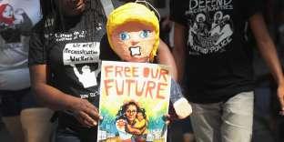 Une manifestation contre l'agence de police douanière et de contrôle des frontières (ICE,Immigration and Customs Enforcement), à Chicago (Illinois), le 16 août.