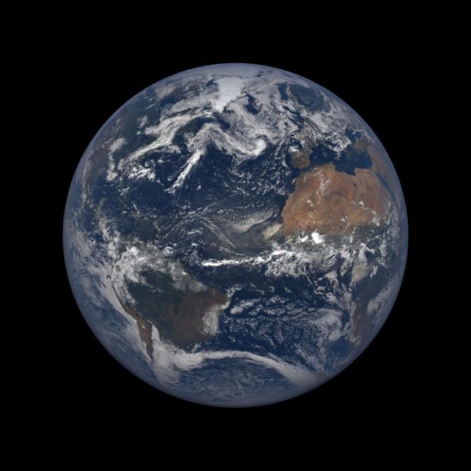 Vue de la Terre par le satellite DSCOVR datant du 17 juillet 2018.
