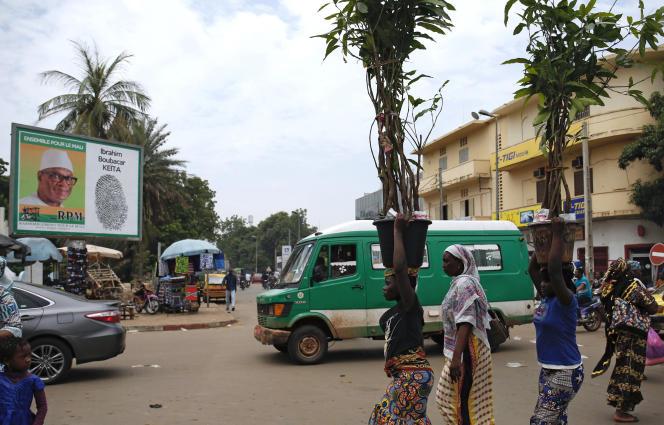 Un portrait d'Ibrahim Boubacar Keïta dans une rue de Bamako, le 2août.