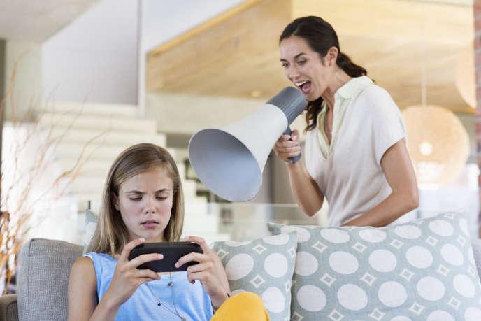 S'il n'est pas encore prouvé que l'écran rend sourd, il est clair que le manque d'exercice est nuisible pour la santé des ados, et celle de leurs parents.