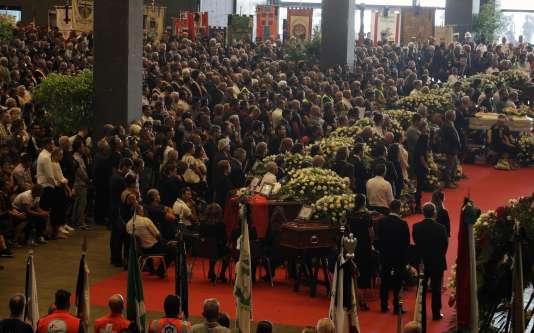 Lors de la cérémonie d'hommage aux victimes du pont Morandi de Gênes.