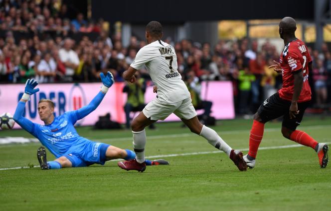 Kylian Mbappe a inscrit un doublé face à Guingamp.