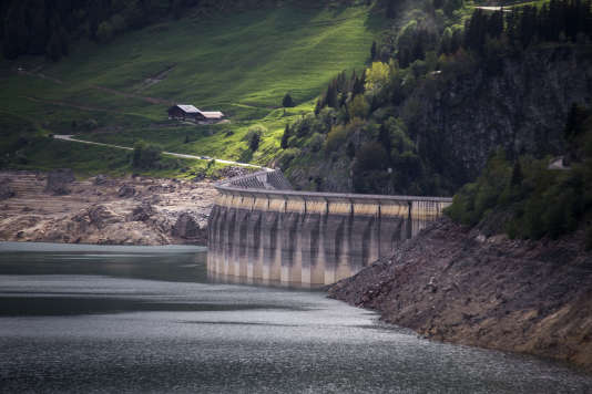 Le barrage hydroélectrique de Roselend, à Beaufort-sur-Doron (Savoie), en juin 2016.