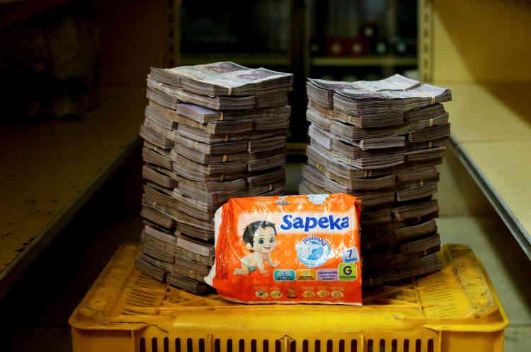 Un paquet de 7couches: 8000000bolivars (environ 1,2dollar américain).