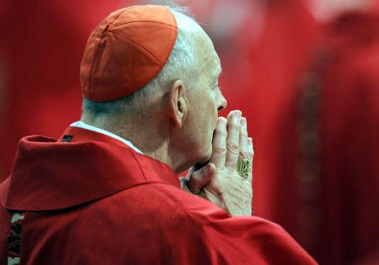 L'ancien archevêque de Washington, Theodore McCarrick, au Vatican, en 2005.
