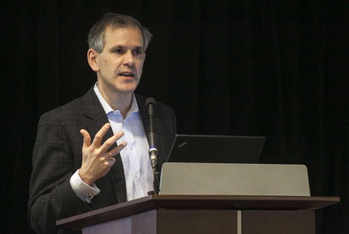 Le directeur de l'Institute for Health Metrics and Evaluation, Chris Murray, en 2013 à la fondation Bill et Melinda Gates, à Seattle. Il y présente les résulats de l'étude annuelle «Golbal Burden of Disease».