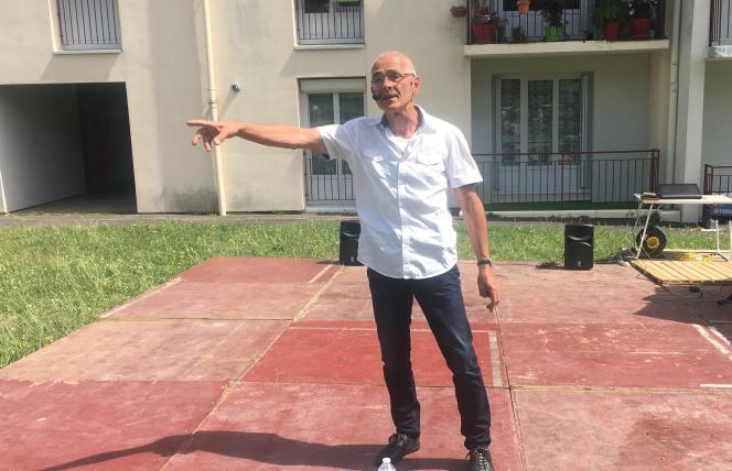 Marcel Goudeau, lors d'une fête de quartier à Chinon (Indre-et-Loire), en juin 2018.
