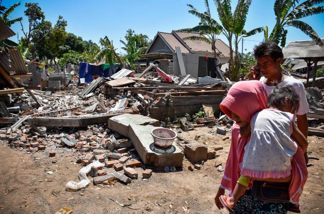 Le village de Sugar, sur l'île de Lombok, dévasté par une série de séismes, le 20août.
